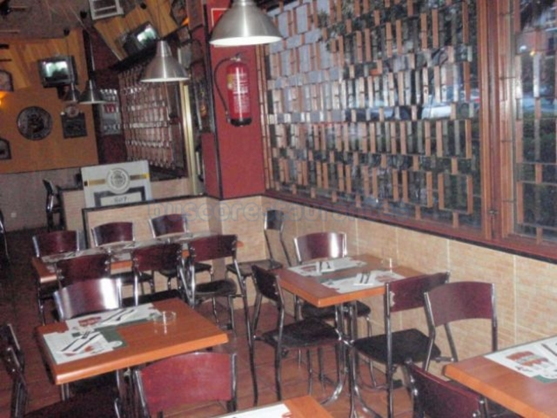 Pekas Burger - interior